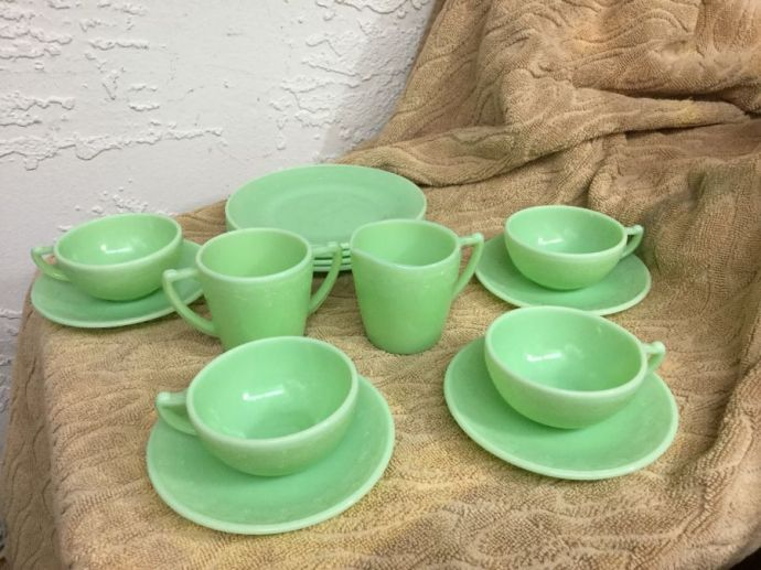 Child's Tea Set- Vintage